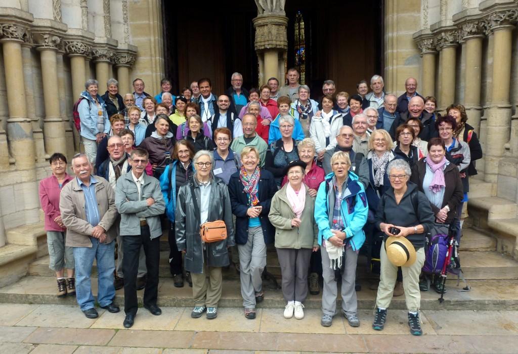 Dijon 21 mai 2014 - Départ du pélerinage pédi-bus pour Compostelle